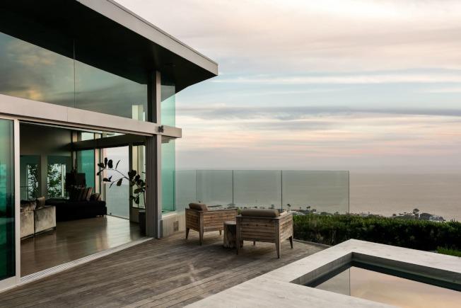 位於拉古納灘(Laguna Beach)的一棟豪宅短租,2167元一晚。(圖片取自Airbnb Luxe)