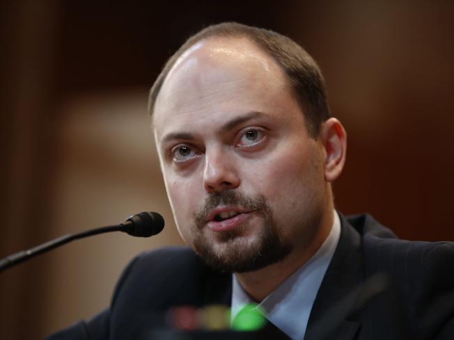 納瓦尼疑遭下毒 在俄當反對派防禍從口入