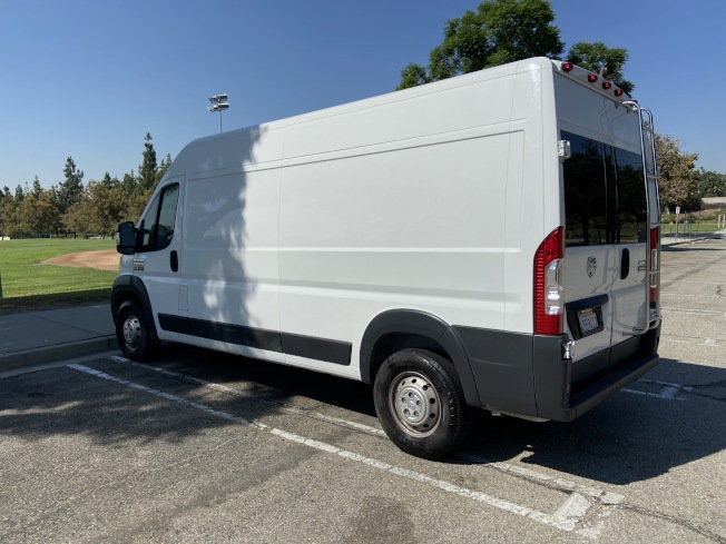 黃亦彬購入的廂型房車屬於Class B型的房車。(記者謝雨珊/攝影)
