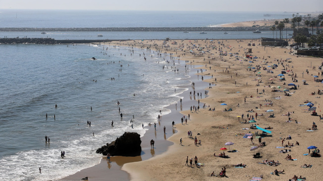 橙縣海灘已經開放。(Getty Image)
