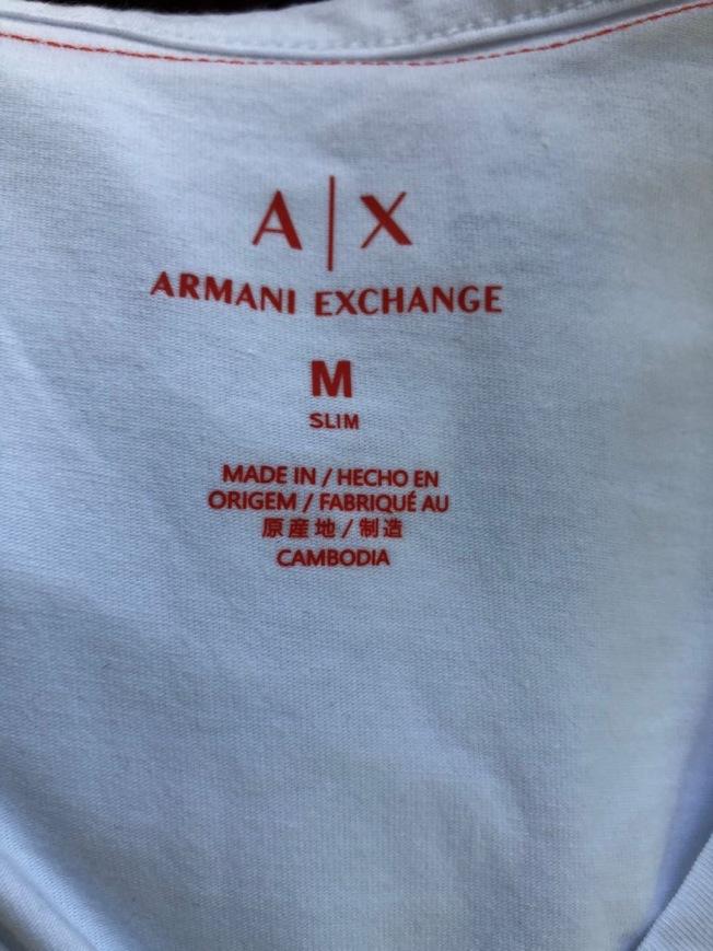南加州直銷中心目前銷售的時裝,產地已明顯改變。(周先生提供)