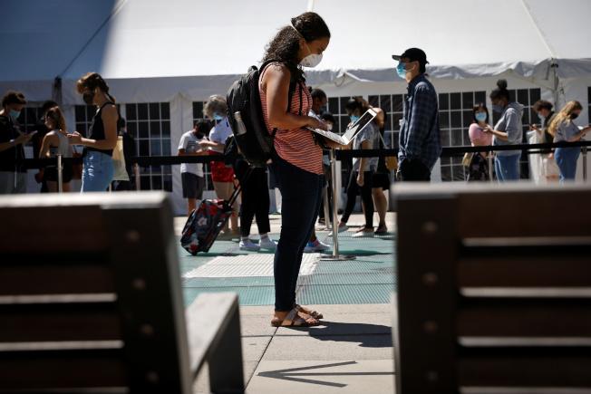 紐約州的大學對返校學生進行新冠檢測。(路透)