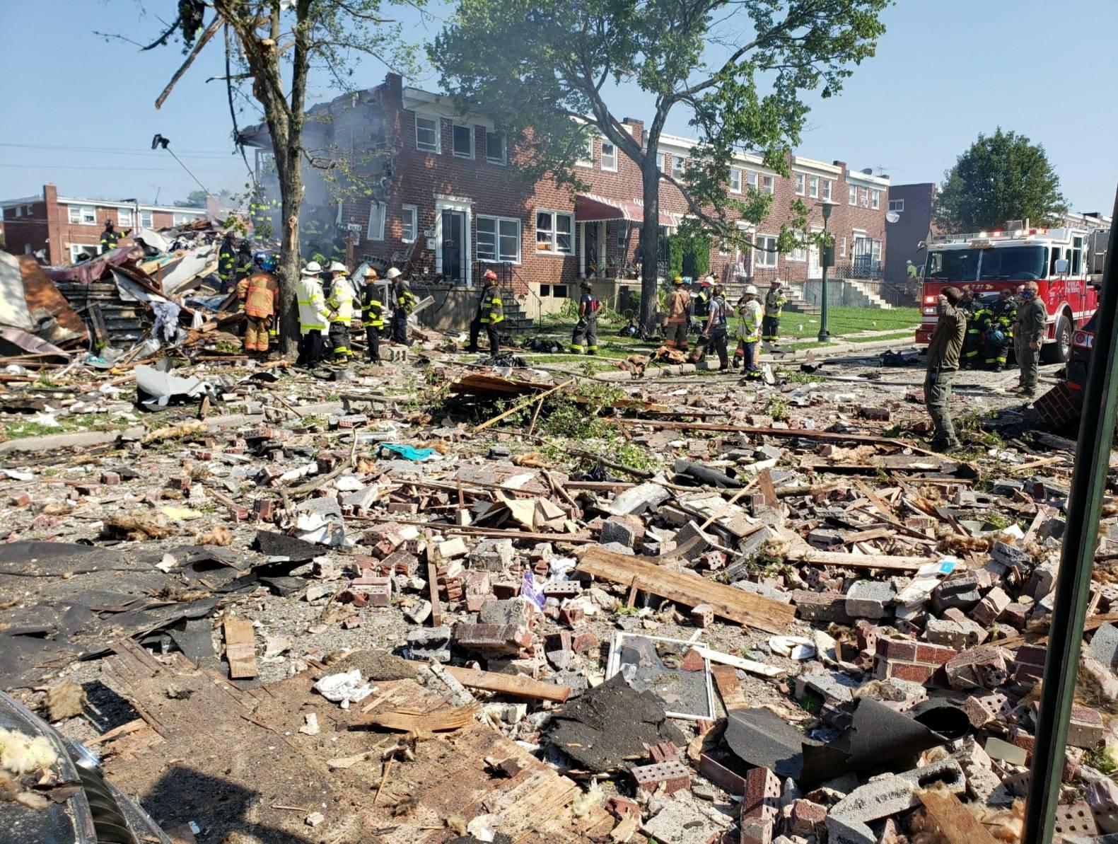 巴爾的摩市西北部社區發生嚴重瓦斯爆炸,巴爾的摩郡消防局也出動協助。(巴爾的摩郡消防局提供)