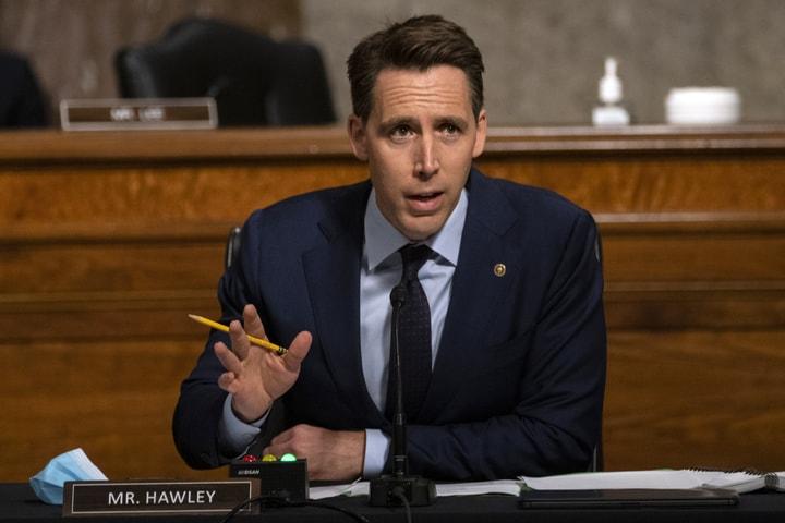 聯邦參議院今天投票一致通過參議員霍利(Josh Hawley)的一項法案,這項法案禁止聯邦僱員在政府所發的設備上使用影音分享應用程式TikTok。(美聯社)