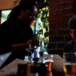 麻州餐飲業 白男比非裔女每小時多7.79元