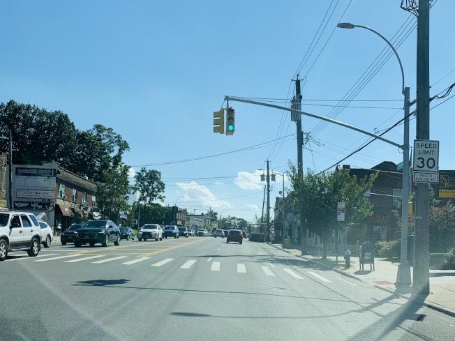 皇后區北方大道將有七哩長的路段,時速限制將從30哩降至25哩,汽車駕駛要慎防超速。圖為貝賽路段。(記者曹健╱攝影)