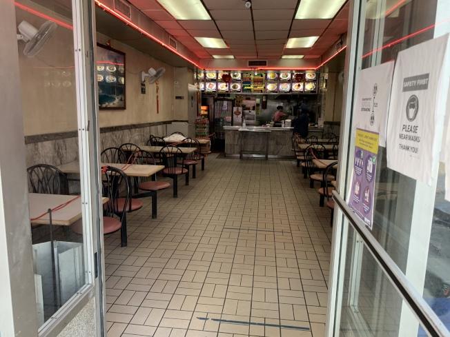 葛謨表示,目前無法開放堂食主要因為執法人手不足,若要開放堂食,地方政府必須拿出切實可行的執法計畫。(記者和釗宇/攝影)